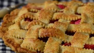Strawberry Rhubarb Pie Recipe Demonstration - Joyofbaking.com