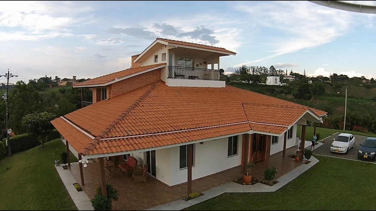Incomparable casa campestre sector cerritos pereira para for Disenos de casas campestres modernas