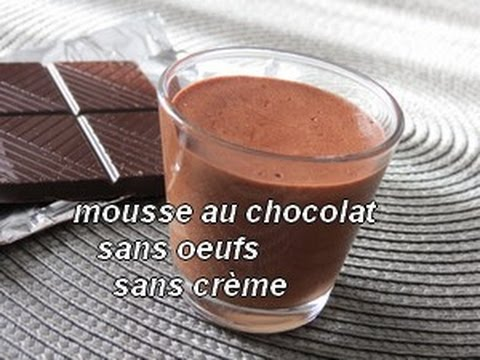 mousse au chocolat sans oeufs sans cr me la magie du jus de pois chiche mousse vegan youtube. Black Bedroom Furniture Sets. Home Design Ideas