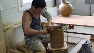Master Potter At Work 옥당 도예 Making A Kim Chi Pot