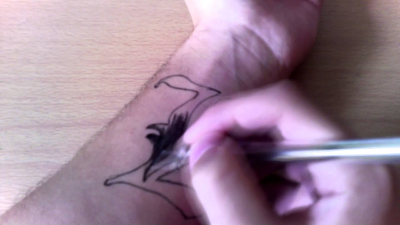 L Tattoo(Death Note) - YouTube