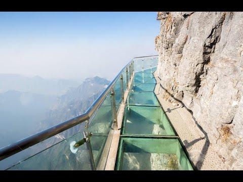 Glass skywalk ,Travel moments in Zhangjiajie!