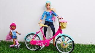 Видео для девочек. РАСПАКОВКА Барби: Розовый велосипед для Барби!
