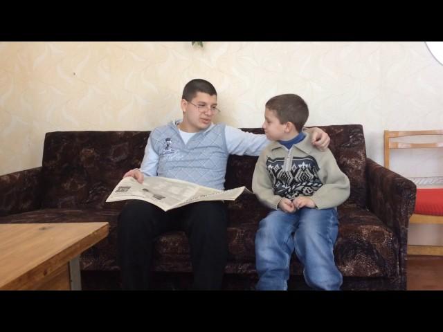Изображение предпросмотра прочтения – ПавелТатаринов читает произведение «Что такое хорошо и что такое плохо» В.В.Маяковского