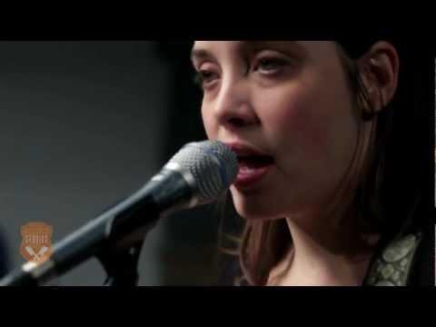 Cheyenne Marie Mize - It Lingers (Live)