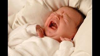 Trẻ sơ sinh hay vặn mình và giật mình chữa như thế nào