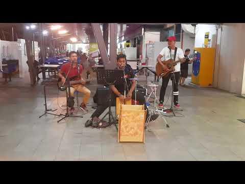 Ajkal Tere Mere Pyar - One Avenue Band