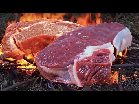 PRIMITIVE STEAK || STONE COOKED MEAT 😋 SPICY GOAT STEAKS PRIMITIVE COOKING ON STONE