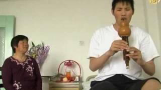 видео: В Китае живет самый высокий человек на планете
