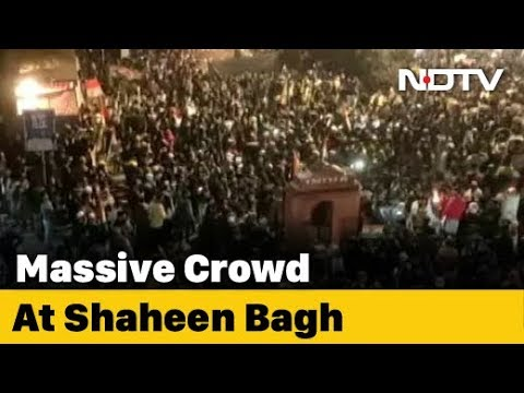 Massive Crowd, Multi-Faith Prayer At CAA Protest In Delhi's Shaheen Bagh