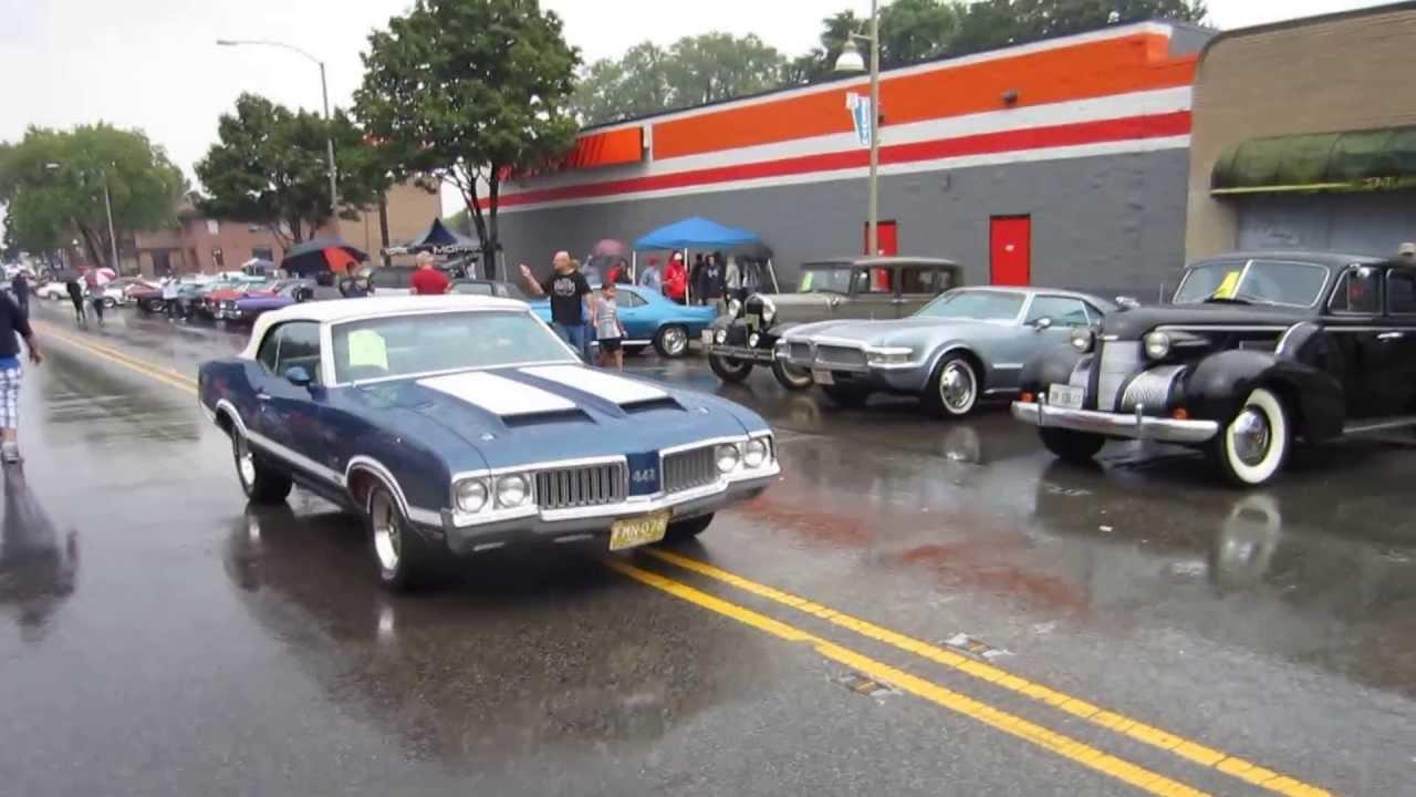 Route Car Show Berwyn IL Kustom Rat Rod Triumph Cutlass - Route 66 car show
