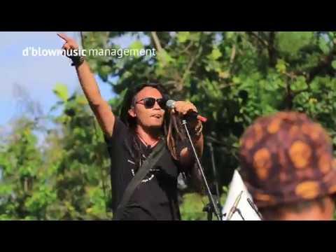 HEBOH !! d'blow manggung di Konser musik Jakarta Reggae Movement 2017