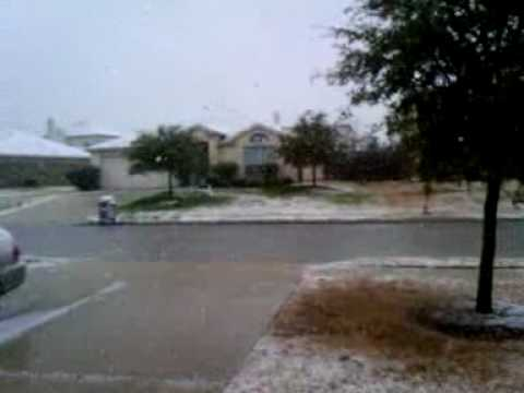 Snowing in Round Rock