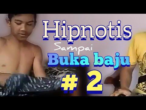 Hipnotis bugil buka baju #2