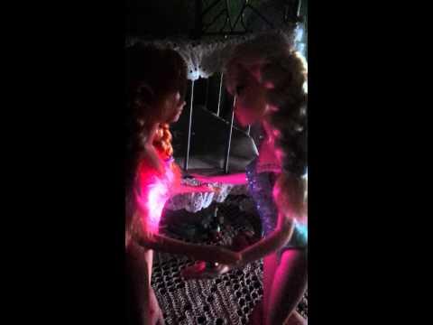 Disney Frozen Musical Magic Anna and Elsa
