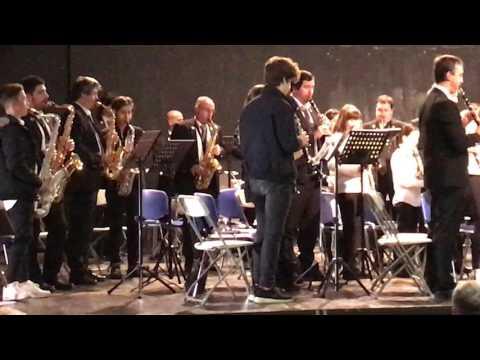 Banda música de Erandio y alumnos Musika Eskola