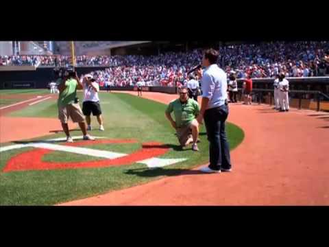 Benjamin Utecht Sings National Anthem at MN Twins Game