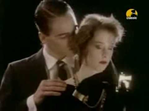 Marlene On The Wall - Suzanne Vega