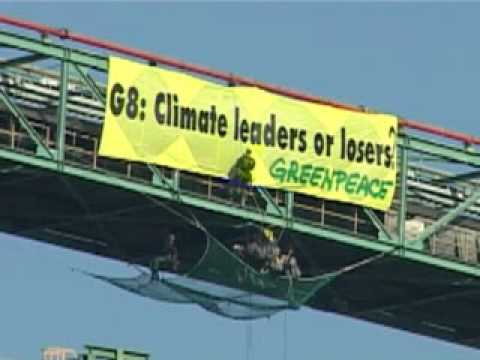 G8 Greenpeace activists occupy 4 Italian coal fired power stations