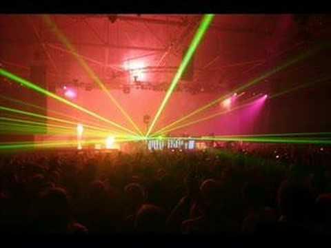 Armin - Control Freak (Sander van Doorn Remix)