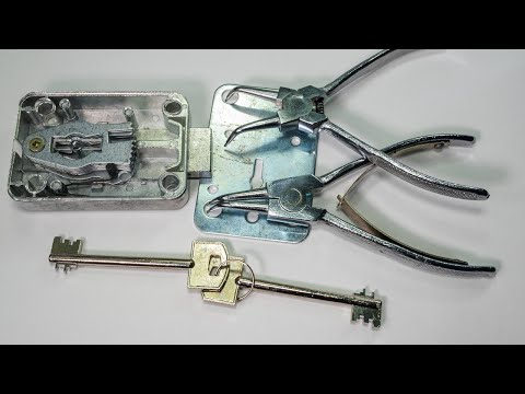 Unboxing a Cutaway Lever Lock Practice Lock and C Clip Remover Tool From Banggood