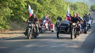 Путин за рулем «Урала» приехал на байк-шоу в Севастополе