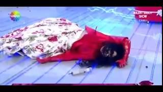 Türkiye'nin Diva'sı Bülent Ersoy canlı yayında bayıldı. 2017 Video