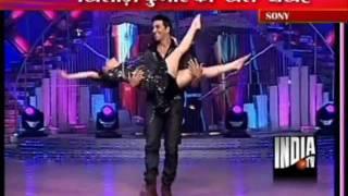 Madhuri Dixit Dance with Akshayar and Rishi Kapoor at Jhalak Dekhla Ja