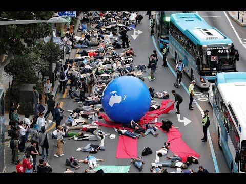 -انقذوا الأرض.. انقذونا-: التظاهر بشكل غير مألوف في كوريا الجنوبية  - نشر قبل 4 ساعة