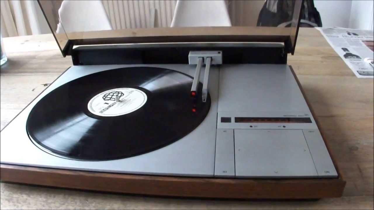bang olufsen beogram 4000 tangential record player youtube. Black Bedroom Furniture Sets. Home Design Ideas