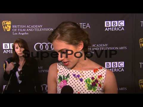 INTERVIEW - Allison Williams on her dress, being a part o...