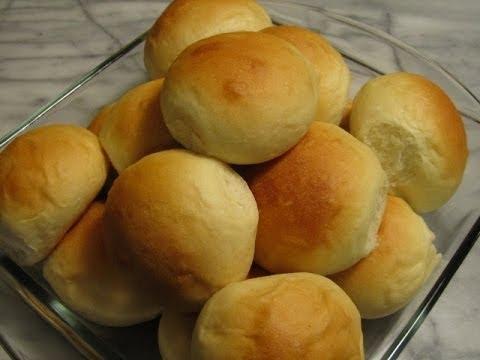 Pandesal (Bread Rolls) - vegan