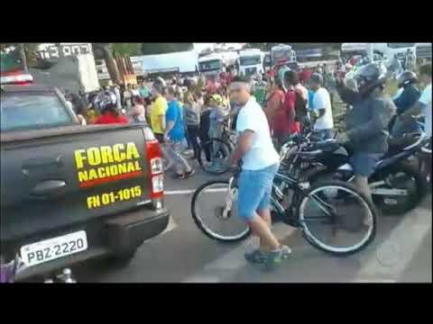 Caminhoneiros mantêm protestos em Minas Gerais