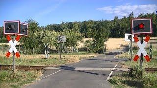 Spoorwegovergang Ober-Widdersheim (D) // Railroad crossing // Bahnübergang