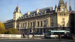 Pont Saint Michel Apartment in Paris, France