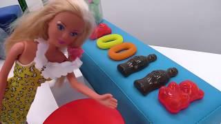 Video con i giocattoli. Giochi per bambini con le bambole. Barbie episodi completi