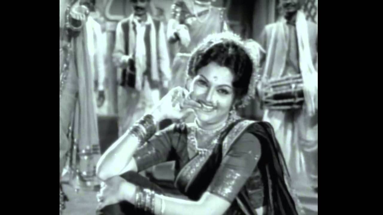 A Look at the Lovely Dance Called Lavani   Dances on the