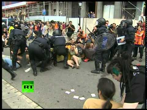 Video of brutal Spain riot police crackdown, over 100 protesters injured