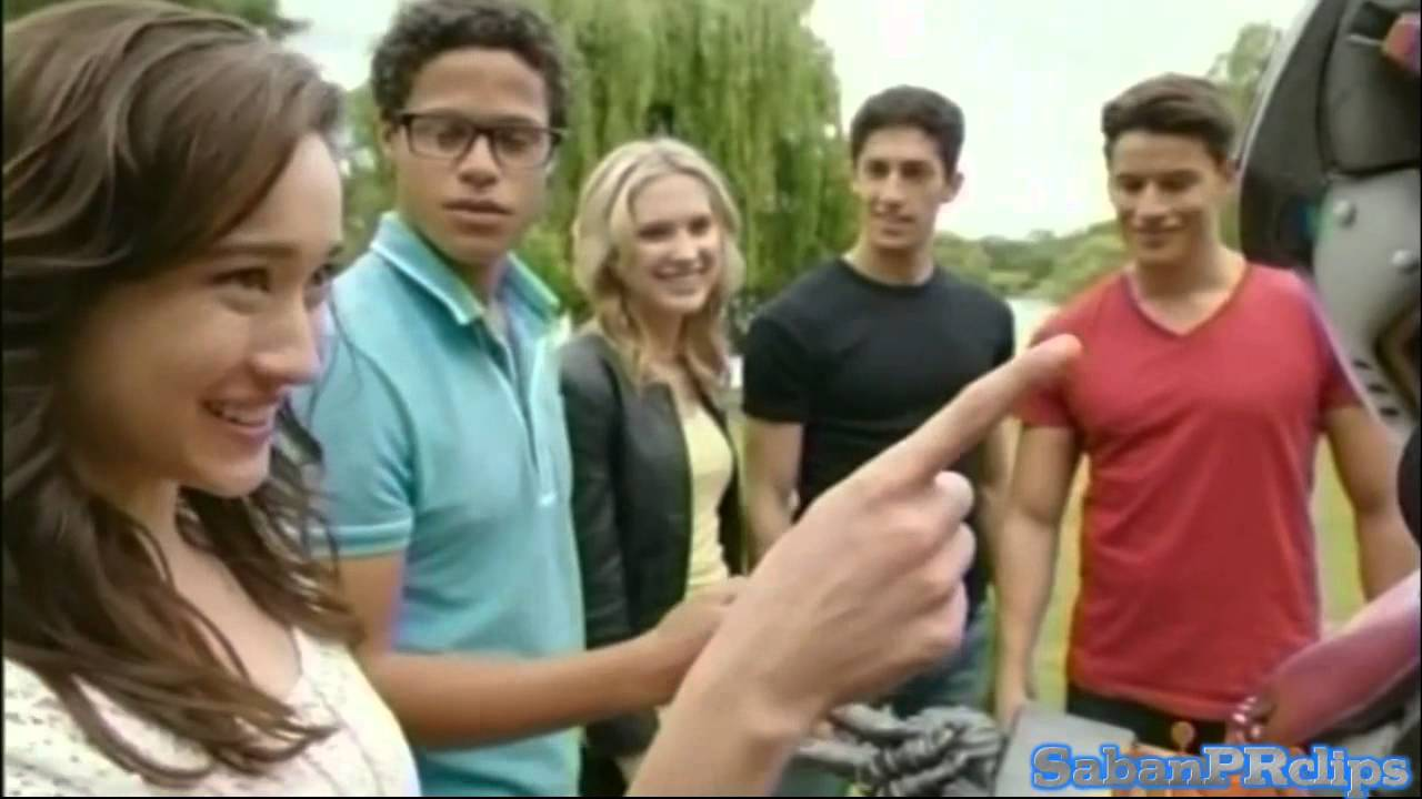 Power rangers megaforce rico the robot play in the - Robot power rangers megaforce ...