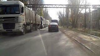 В Одессе дальнобойщики  устроили транспортный коллапс(В Одессе зерновозы практически заблокировали микрорайон