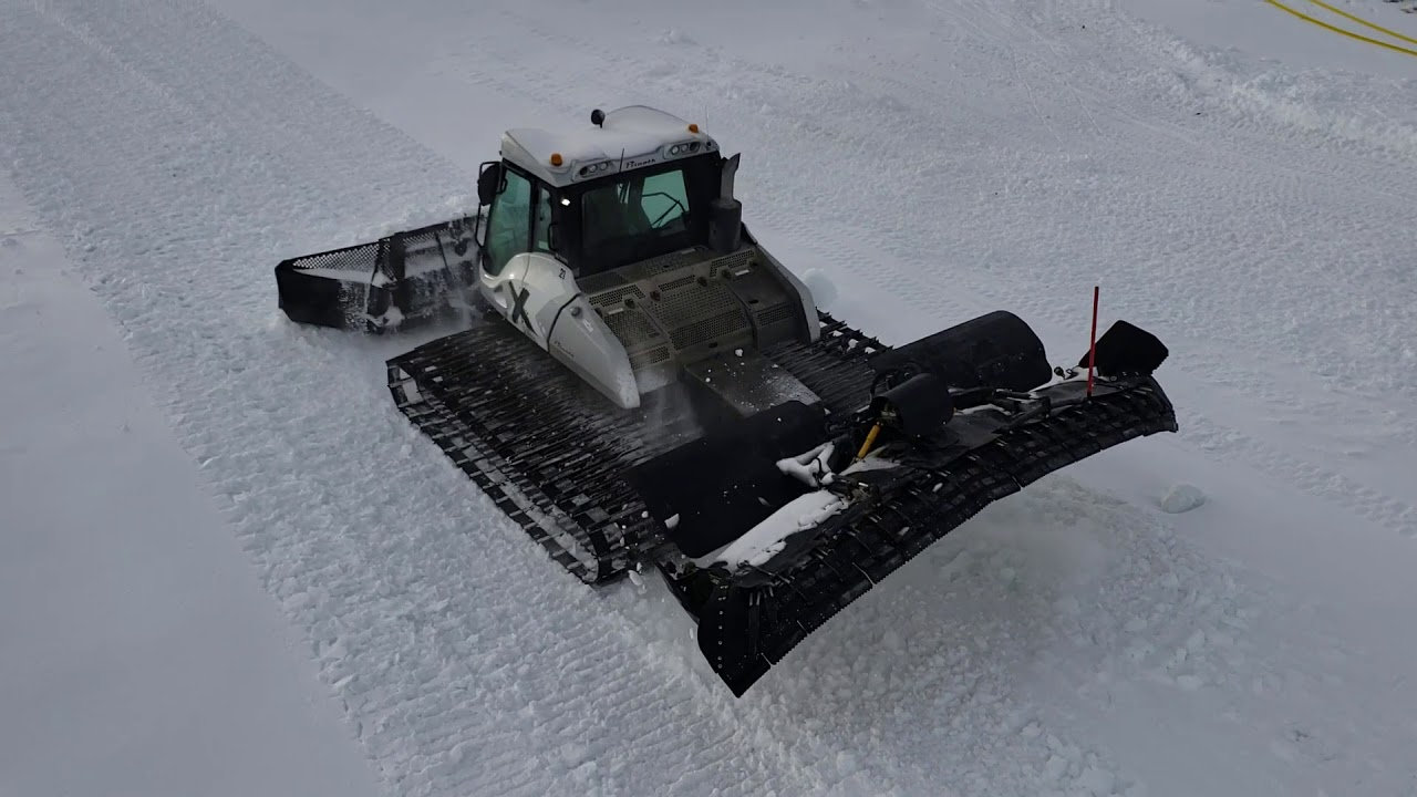 1 Minute With a Prinoth Bison X Snowcat Ski Hill Groomer ...