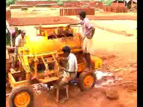 clay brick making machine (2).flv