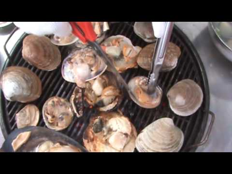 KOREAN CUISINE - grilled clams and mussels