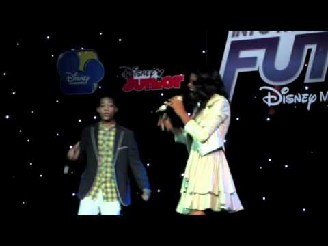 COCO JONES and TYLER JAMES WILLIAMS Perform!