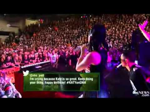 Katy Perry - Firework (Live @ Lakewood...