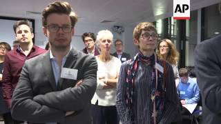 Hawking attends launch of AI centre in UK