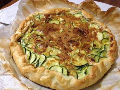 tarte-salée-aux-courgettes-et-oeufs---recette-facile-avec-la-pâte-feuilletée