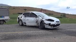 Gercüş'te Trafik Kazası: Otomobil İle Kamyonet Kafa Kafaya Çarpıştı
