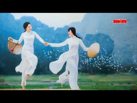 Art exhibition featuring women in ao dai held in Ho Chi Minh City