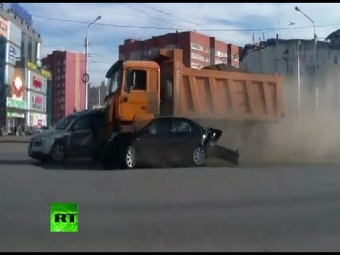 Mad Crash Video Truck Rams 12 Cars At Full Speed